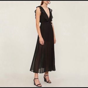 Topshop NWT Ruffle Pleated Chiffon Maxi Dress